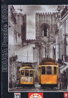 The Alfama District, Lisbon, 1500 brikker (1)